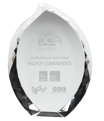"Heavyweight Optical Crystal Teardrop Award 18cm (7"")"