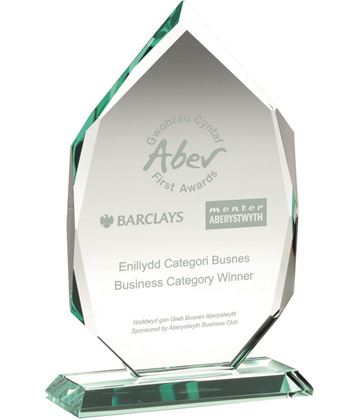 "Diamond Jade Glass Award on Base 16.5cm (6.5"")"